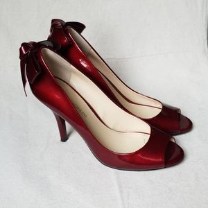 Enzo Angiolini // Red pumps